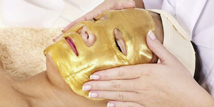 DIY facial mask at Bella Reina Spa