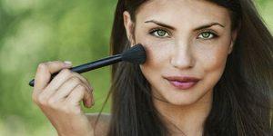 Makeup and Acne at Bella Reina Spa