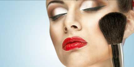contouring makeup at Bella Reina Spa