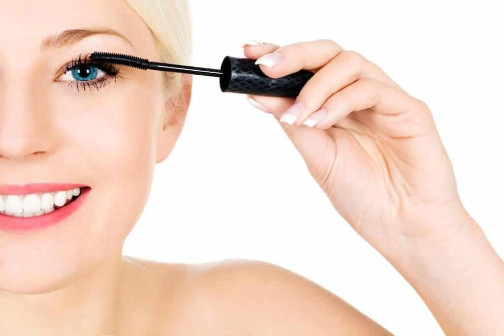 Leading Lashes with Vegan Mascaras