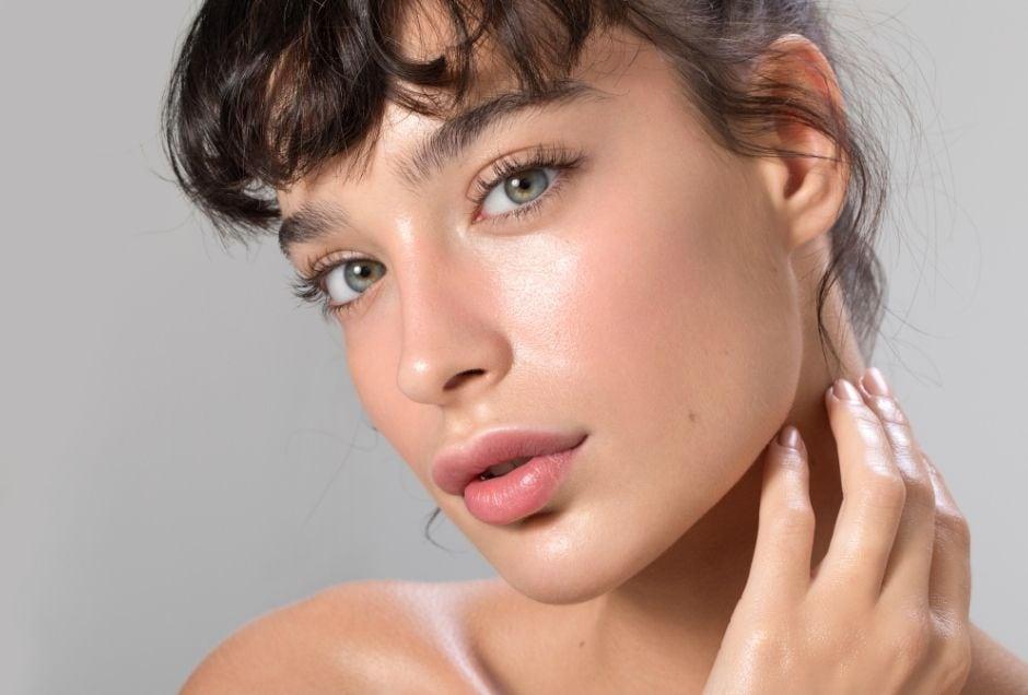 ul girl, with glowing, hydrated skin.