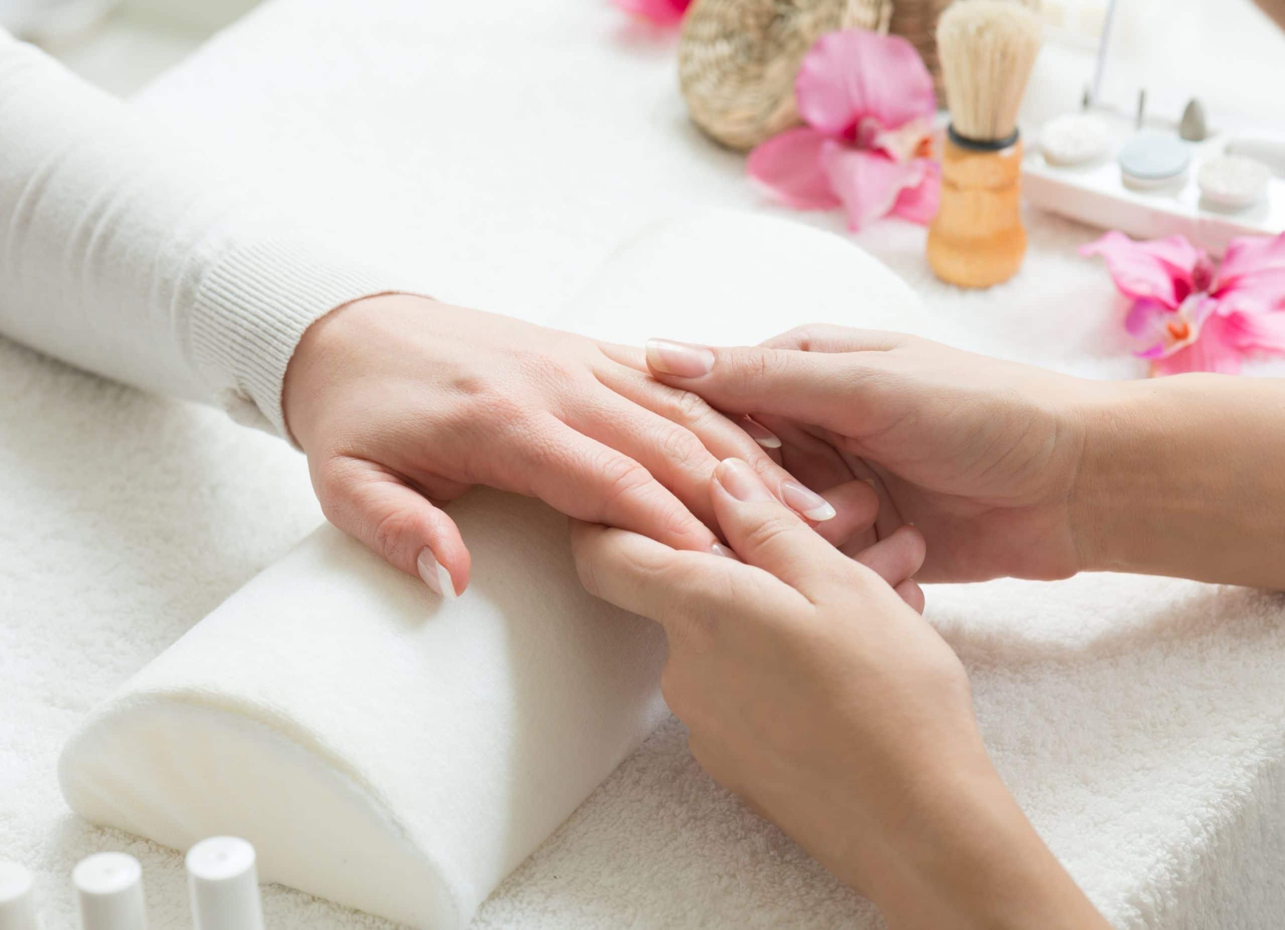 Anti-aging manicure